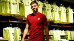 Indosport - Barcelona berencana memberikan kontrak baru kepada bek andalan mereka, Clement Lenglet, dan menyematkan klausa rilis super mahal.