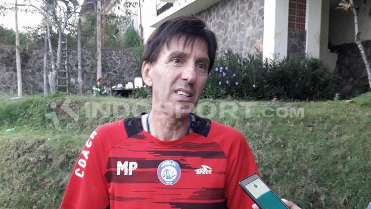 Milan Petrovic, pelatih Arema FC. Copyright: Ian Setiawan/INDOSPORT