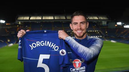 Jorginho resmi gabung Chelsea dan mengenakan jersey no 5. - INDOSPORT
