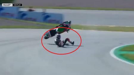 Kecelakaan mengerikan yang dialami Aleix Espargaro dalam pemanasan MotoGP Jerman 2018. - INDOSPORT