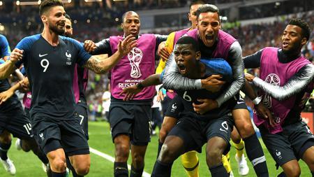 Para pemain Prancis merayakan gol yang dicetak oleh Paul Pogba. - INDOSPORT