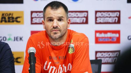 Pelatih Bhayangkara FC, Simo Mc Menemy. - INDOSPORT