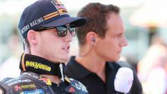 Indosport - Pengamat kondang MotoGP, Carlo Pernat, mengaku ragu dengan duet Pol Espargaro dan Marc Marquez di Honda.