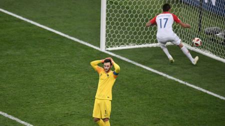 Hugo Lloris lakukan blunder di final Piala Dunia 2018. - INDOSPORT