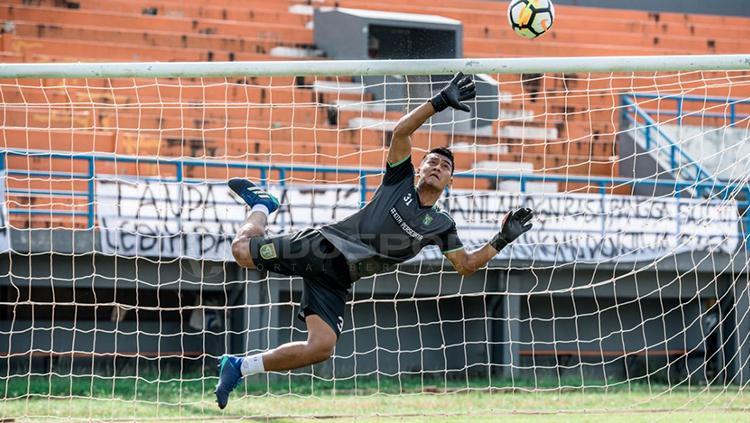 Reky Rahayu dalam sesi latihan sebelum menghadapi Borneo FC. Copyright: Fitra Herdian/Indosport