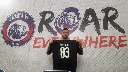 Srdjan Ostojic saat diperkenalkan sebagai pemain asing baru Arema FC - INDOSPORT