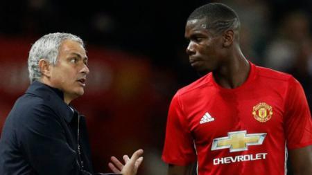 Pelatih Manchester United, Jose Mourinho dan gelandang setan merah. Paul Pobga. - INDOSPORT