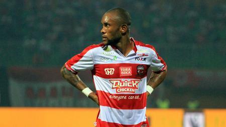 Gelandang serang Madura United, Zah Rahan Krangar, divonis absen empat bulan akibat cedera otot paha. - INDOSPORT