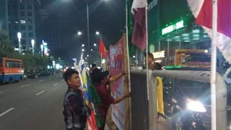 Bendera peserta Asian Games dari bambu. - INDOSPORT
