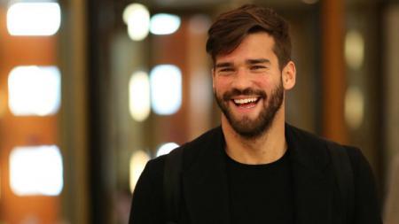 Alisson Becker, kiper AS Roma dan Timnas Brasil. - INDOSPORT
