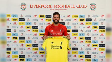 Liverpool secara resmi memperkenalkan Alisson Becker sebagai kiper anyar mereka. - INDOSPORT