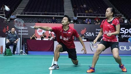 Pasangan ganda campuran Indonesia, Akbar Bintang Cahyono/Winny Oktavina Kandow berhasil melangkah ke semifinal. - INDOSPORT