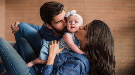 Alisson Becker mengajak keluarganya pergi berlibur setelah menyelesaikan ajang Copa America 2019. - INDOSPORT