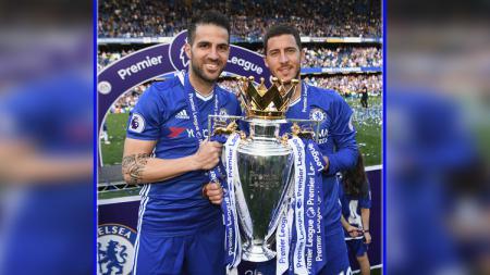 Cesc Fabregas dan Eden Hazard saat berikan Chelsea gelar Liga Primer Inggris di musim 2016/17. - INDOSPORT
