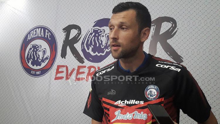 Srdjan Ostojic kiper baru Arema FC menjadi salah satu muka baru yang ikut meramaikan sepakbola tanah air. Copyright: Ian Setiawan/Indosport.com