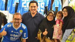 Indosport - Erick Thohir mengunjungi store Persib Bandung