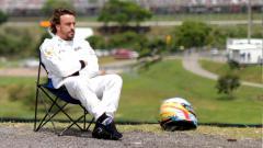 Indosport - Mantan pembalap Formula 1 (F1), Fernando Alonso, buka suara soal kegiatannya melakoni Reli Dakar.