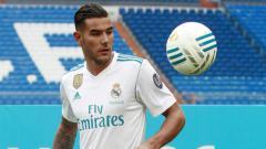 Indosport - Bek Real Madrid, Theo Hernandez, kabarnya telah bertemu direktur teknis AC Milan, Paolo Maldini.