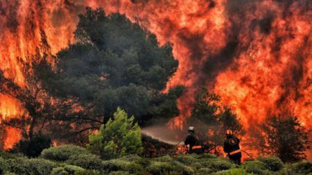 Kebakaran Hutan di Yunani. - INDOSPORT