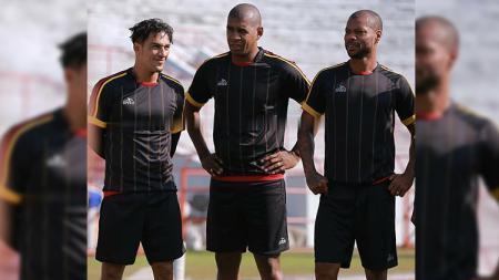 Trio Brasil Persipura, Addison Alves, Marcio Nascimento Rosario dan Hilton Moreira. - INDOSPORT