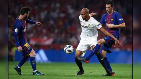 Steven Nzonzi saat melawan Barcelona. - INDOSPORT