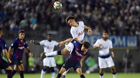 Klub Liga Inggris, Tottenham Hotspur rendang satu gelandangnya usai mereka resmi merekrut Pierre-Emile Hojbjerg dari Southampton. - INDOSPORT