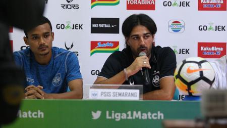 Mantan Pelatih PSIS Semarang, Vincenzo Alberto Annese. - INDOSPORT