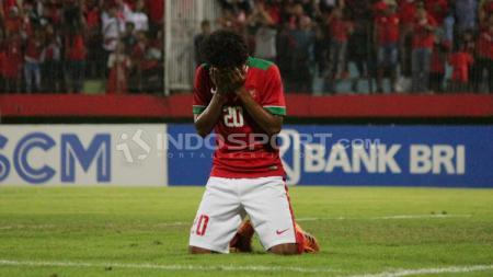 Bagus Kahfi menangis usai cetak gol dalam laga Piala AFF antara Indonesia U-16 vs Filipina U16. - INDOSPORT