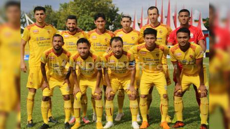 Skuat Sriwijaya FC berfoto jelang pertandingan. - INDOSPORT