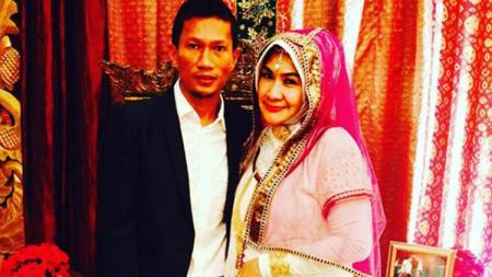 Ceraikan Sang Istri, Ismed Sofyan Belum Bayar Uang Idah Mut'ah - INDOSPORT
