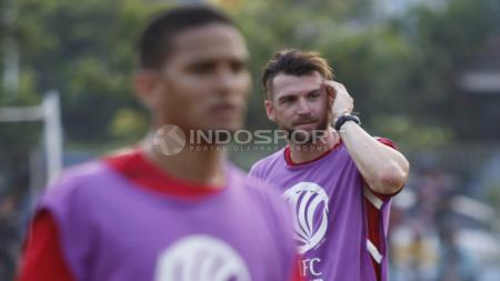 Marko Simic saat menjalani latihan bersama rekannya di Persija Jakarta. - INDOSPORT