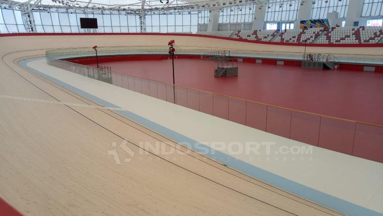 Velodrome Rawamangun siap digunakan pada Asian Games 2018. Copyright: Annisa Hardjanti/INDOSPORT