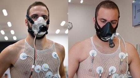 Gonzalo Higuain menjalani tes kebugaran di J-Medical. - INDOSPORT