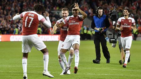 Pemain Arsenal merayakan gol ke gawang Chelsea. - INDOSPORT