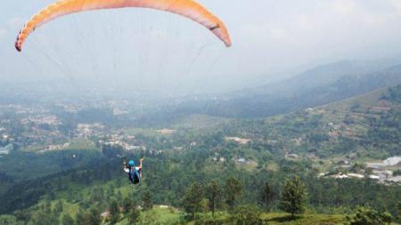 Venue Paragliding Gunung Mas atau Bukit Gantole untuk Asian Games 2018. - INDOSPORT