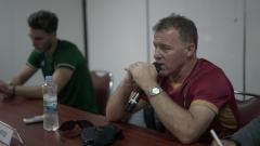 Indosport - Pelatih PSMS Medan, Peter Butler, dalam konferensi pers jelang laga lawan Bhayangkara FC.