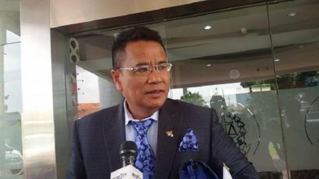 Pengacara kondang, Hotman Paris Hutapea colek Nadiem Makarin selaku Mendikbud yang baru terkait permasalahan pemulangan atlet Indonesia di SEA Games karena tidak perawan. - INDOSPORT