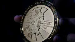 Indosport - Corak batik di medali Asian Games 2018.