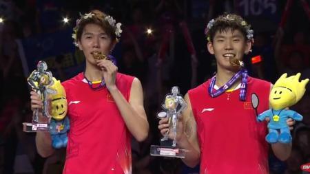 Pasangan ganda putra China, Li Junhui/Liu Yuchen. - INDOSPORT