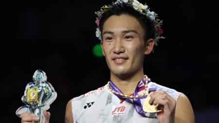 Pebulutangkis Jepang, Kento Momota Usai Raih Gelar Juara Dunia - INDOSPORT