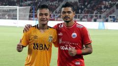 Indosport - Sani Rizki Fauzi saat bersama Bambang Pamungkas.