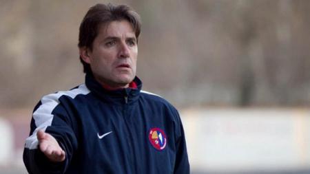 Julio Banuelos Saez disamakan The Jakmania dengan pelatih Persija terdahulu, Stefano Cugurra Teco. - INDOSPORT