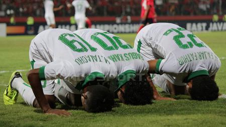 Aksi selebrasi pemain Timnas usai Bagus Kahfi mencetak gol. - INDOSPORT