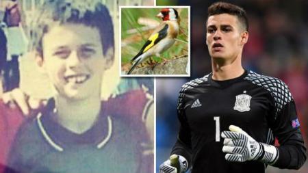 Kepa Arrizabalaga hobi menangkap burung dan mengajarinya bernyanyi. - INDOSPORT
