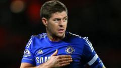 Indosport - Steven Gerrard berseragam Chelsea dengan manipulasi digital.
