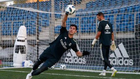Thibaut Courtois tidak peduli dengan banyaknya cacian yang mengarah kepadanya setelah jadi kiper Real Madrid. - INDOSPORT