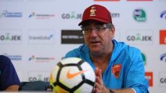 Indosport - Pelatih PSM Makassar, Robert Rene Alberts dalam jumpa pers.
