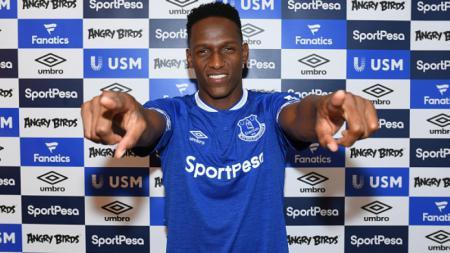 Yerry Mina saat diperkenalkan ke Everton. - INDOSPORT