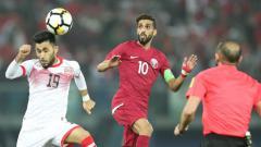 Indosport - Ali Jaafar Madan (kiri)  gelandang Bahrain untuk Asian Games 2018