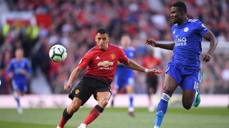 Alexis Sanchez saat melawan Leicester City. - INDOSPORT